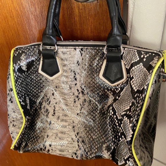 Women's satchel